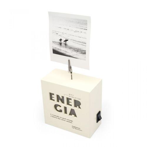 Porta-retrato-de-clipes-akapoeta-energia