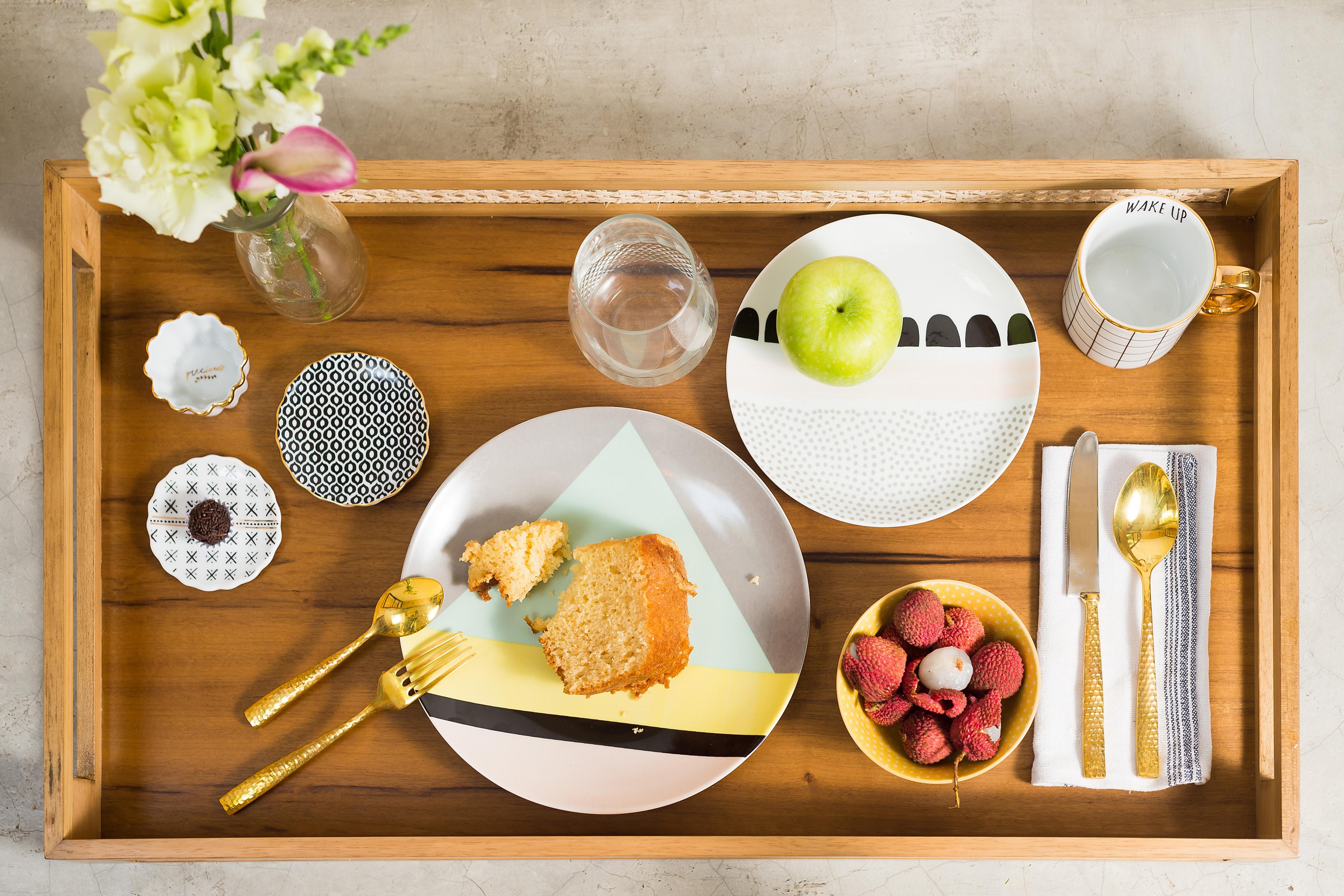 Banner interativo - mesa de café bolo lichia maca