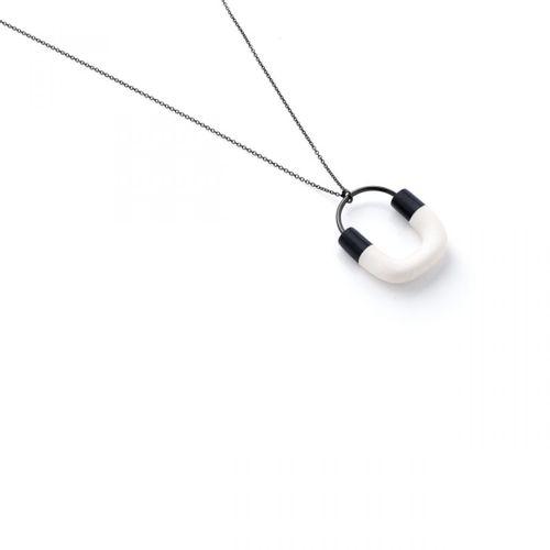 Colar-madeira-preto-e-branco-201