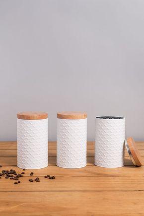Pote-branco-e-madeira-cilindro