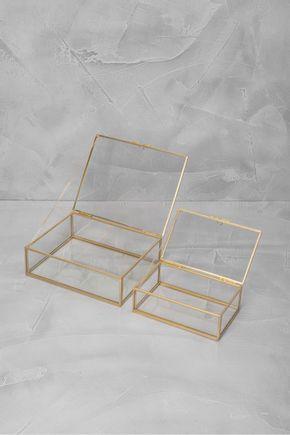 Conjunto-de-caixas-arestas-douradas