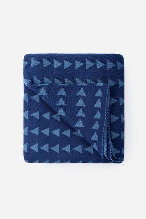 Manta-nos-triangulos-200-x-150-cm