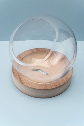 Terrario-com-base-de-madeira-bola