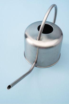 Regador-metal-prata