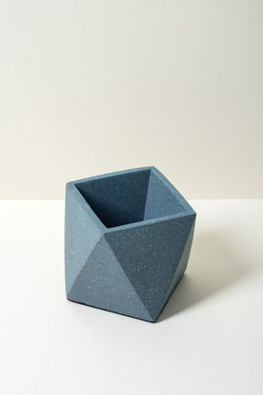 Vaso-prismatico-cinza