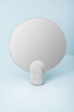 Espelho-de-mesa-concreto-terrazzo-cinza