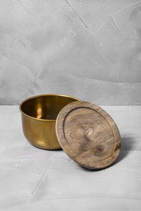 Pote-metal-dourado