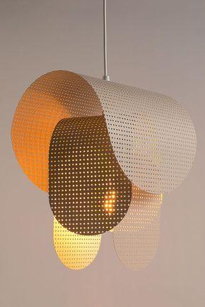 Luminaria-pendente-metal-vazada