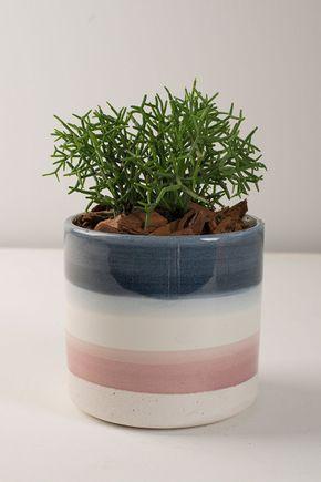 Vaso-ceramica-tons-de-azul-e-rosa