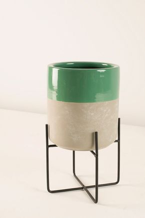 Vaso-com-pe-de-metal-verde-p