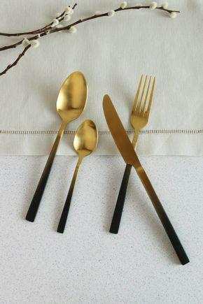 Conjunto-talheres-dourado-e-preto