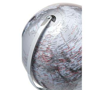 Luminaria-de-mesa-globo-terrestre