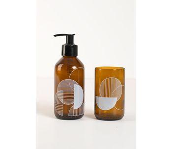 Conjunto-de-banheiro-ambar-geometrico