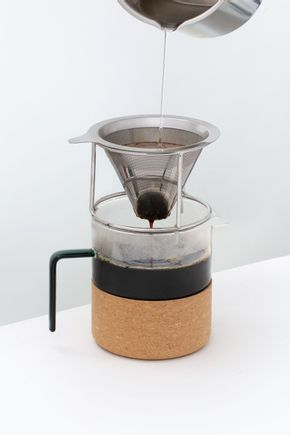 Passador-de-cafe-de-vidro-e-filtro-inox