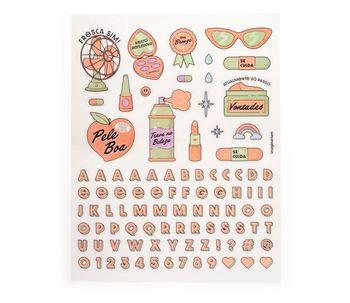 Mini-geladeira-para-cosmeticos-lilas
