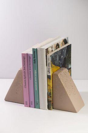 Porta-livros-ceramica-piramide